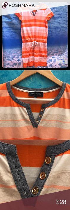 Jones New York Signature Dress Orange/tan/white stripes / 96% Cotton 4% Elastane / Size M / Adjustable tie at waist / Cute denim and gold buttons in front Jones New York Dresses