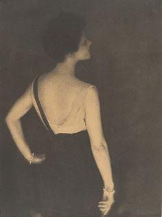Baron Adolf de Meyer. Rita de Acosta 1913.®Gift of Mercedes de Acosta