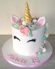Torta unicorno unicorn unicorno unicorncake tortaunicorno arcobaleno rainbow cakedesigner cakedesign cake cakes cakestagram unicorn cake this might be the prettiest unicorn cake youve ever seen by lillyluvscakes Unicorne Cake, Bolo Cake, Eat Cake, Cupcake Cakes, Cake Smash, Cake Art, Unicorn Themed Birthday Party, Unicorn Party, Unicorn Birthday Cakes