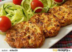 Kuřecí placičky se žampiony a sýrem recept - TopRecepty.cz Tandoori Chicken, Low Carb, Pizza, Cooking Recipes, Menu, Ethnic Recipes, Carving, Sweets, Cooking