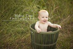 6 month old baby boy in apple field in green bucket oak ridge north carolina photographer 6689v2