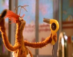 Pepe the Prawn doing his own hair during quarantine. Lol, Haha Funny, Funny Cute, Funny Memes, Hilarious, Funny Stuff, Jim Henson, Fraggle Rock, The Muppet Show