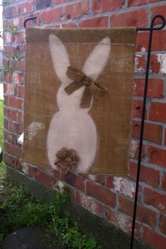 59 Ideas Yard Art Easter Garden Flags For 2019 Burlap Projects, Burlap Crafts, Diy Crafts, Burlap Garden Flags, Burlap Flag, Spring Crafts, Holiday Crafts, Holiday Fun, Easter Projects