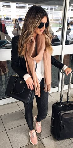 #fall #outfits chaqueta negra de mujer