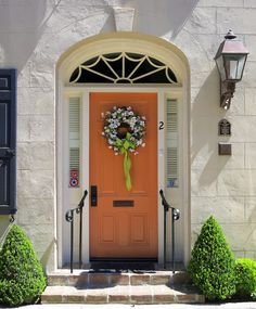 Spencer On Rainbow Row 83 East Bay Street (1784; colonial-style doorway added 1941) Charleston SC \ Rainbow Row is the name for a series of\u2026 | Pinteres\u2026 & Spencer On Rainbow Row: 83 East Bay Street (1784; colonial-style ...