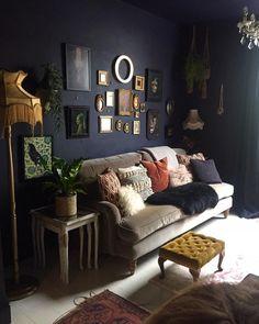 30+ idées de salons sombres et élégants (Inspiration dramatique pour la peinture)  #dramatique #elegants #idees #inspiration #peinture #pour #salons #sombres