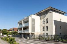 Quatuor - Veigy-Foncenex (74) © Gilles Bertrand Multi Story Building, Mansions, House Styles, Home Decor, Alps, Decoration Home, Manor Houses, Room Decor, Villas