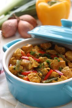 THAISE RODE CURRY MET KIP EN RIJST – Kookhoekje van Xfaatje Thai Recipes, Asian Recipes, Kung Pao Chicken, Pulled Pork, Love Food, Slow Cooker, Main Dishes, Chinese, Pasta