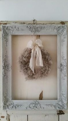 A new decorating walls ideas Window Wall Decor, Frame Wall Decor, Frames On Wall, Wall Art, Shabby Chic Farmhouse, Shabby Chic Decor, Sola Flowers, Rustic Frames, Rustic Colors
