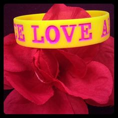 Peace, Love, Aero Bracelet! So cute! Love the colors! Great condition!! Aeropostale Jewelry Bracelets