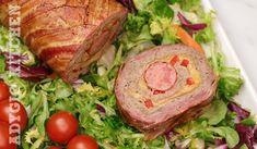 Rulada de carne tocata cu bacon este perfecta pentru sarbatori, ocazii speciale dar si pentru weekend. Este o rulada de carne super gustoasa care impaca orice mofturos. La fel ca si aceasta rulada de pui, o minunatie. Combinatia de gusturi este una speciala si pe langa aroma de bacon, gustul acestei rulade de carne este … The post Rulada de carne tocata cu bacon appeared first on Adygio Kitchen. Bacon, Salmon Burgers, Turkey, Cooking Recipes, Meat, Ethnic Recipes, Youtube, Pork, Turkey Country
