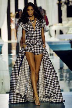 Roberto Cavalli Spring 2006 Ready-to-Wear Fashion Show - Emina Cunmulaj