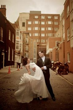Victorian Elegance. Oeil Photography. Stunningly romantic.