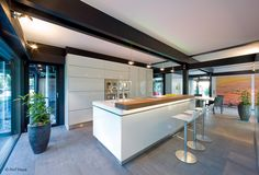 Arbeitsfläche: Corian   Möbelfronten: Parapan   © Huf Haus