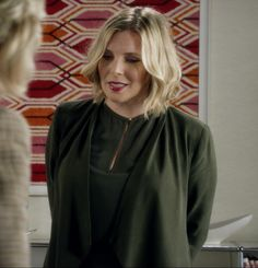 """Brianna Hanson - Grace & Frankie """"The Dinner"""" June Diane Raphael, Fringe Pants, Business Professional Outfits, Curvy Fashion, Wardrobes, Girly Things, Fashion Forward, My Style, Hair"""