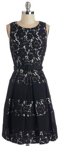 Eliza J /G-lll Apparel Group Lacy Sassy Cool Dress