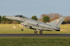 Golden Typhoons - Royal Air Force Eurofighter Typhoon FGR4 ZK334-FB - 1(F) Sqn…