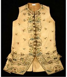 Pondering yesterday's anniversary of the Boston Massacre, today we highlight John Hancock's (1737-1793) waistcoat (attributed), ca. 1780. The cream silk twill front panels are richly embroidered with a floral and garland motif, and bow-ties decorated with gold-painted metal sequins (spangles). There is a natural linen back panel and interior lining. Thirteen buttons covered with gold foil and gold wire serve as closures.  Gift of George Gibbs to the New York Historical Society @nyhistory.org