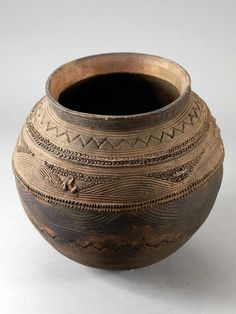 Africa | Water storage vessel from the Nupe people of Nigeria | Terracotta