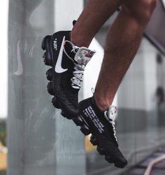 Nike Air VaporMax Off-white by Juampi* Me Too Shoes, Men's Shoes, Nike Shoes, Shoe Boots, Sneakers Nike, Nike Trainers, Casual Sneakers, Casual Shoes, Moda Masculina