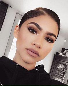 Perfect make up for brown eyes. Zendaya Coleman