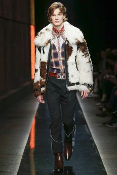 https://www.vogue.com/fashion-shows/fall-2018-menswear/dsquared/slideshow/collection#47