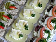 www.cateringshop.cz Fun Recipes, Appetizer Dips, Appetisers, Its A Wonderful Life, Czech Republic, Catering, Panna Cotta, Sandwiches, Good Food