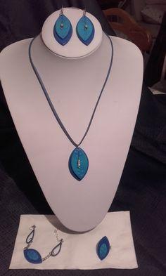 Parure bijoux en pâte polymère différents tons de bleus : Parure par les-bijoux-de-danielle