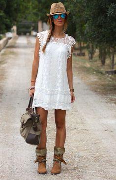 Los 6 vestidos blancos que dominan el Street Style