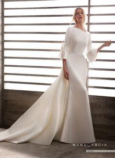 940a95b187 Espectacularidad y originalidad para tu vestido de novia  BridalStyle   FashionDress  Whitedress  Bridesinspiration