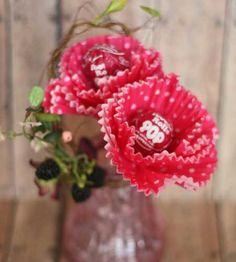 Flower Tootsie roll pops for Valentine's day.