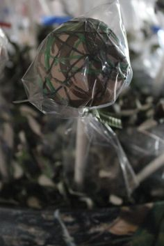 Camouflage cake pop. Cute idea for wedding favors