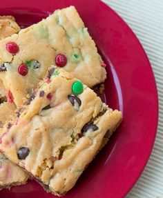 Ingredients:   1 box yellow cake mix   1 small box instant vanilla pudding   1/4 cup water   3/4 cup vegetable oil   2 eggs   1 cup ch...