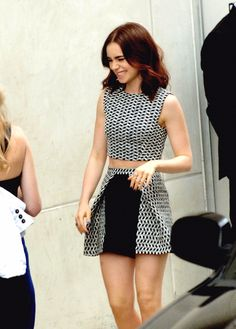 Lily Collins at Comic Con 2013 this outfit is fantastic Looks Chic, Looks Style, My Style, Lily Collins Style, Maila, Uk Fashion, Style Fashion, Mode Inspiration, Fashion Inspiration