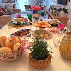 por Alline Passamani - Page 11 Coffee Break, Coffee Time, Tea Time, Food N, Good Food, Food And Drink, Breakfast In Bed, Perfect Breakfast, Brunch Mesa