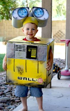 Wall-E costume - like the way the eyes are done