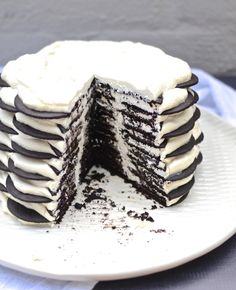 My FAVE: Magnolia Bakery Chocolate Wafer Icebox Cake. Recipe at www.mybottomlessboyfriend.com
