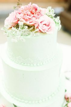 mint wedding cake | photo by Cassandra Photo | 100 Layer Cake