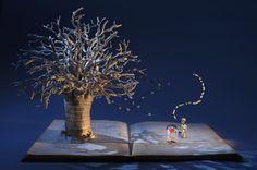 A inglesa Su Blackwell usa livros usados para fazer suas obras com a técnica papercutting-Pequeno príncipe