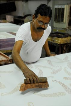 The hand carved block in action...