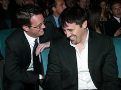 """Could they BE any cuter?   27 Photos Of The """"Friends"""" Cast Being Friends In Real Life"""