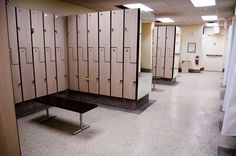 World Gym - Chicago, IL, United States. Woman's locker room