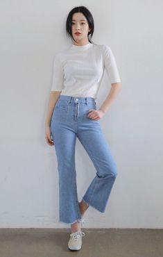 Trong tủ đồ của bạn đã có đủ những mẫu quần jeans này chưa? Nếu chưa thì nhanh nhanh cập nhật và tham khảo những cách mix&match cực chất, sành điệu lại tôn dáng dưới đây nhé!