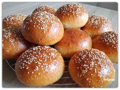 Kovászos hamburgerzsemle éjjeli hűtős kelesztéssel | Betty hobbi konyhája Bread, Cooking, Food, Yogurt, Kitchen, Brot, Essen, Baking, Meals