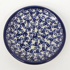 Here you can see clearly what was the shape of the stamp used to decorate this plate. Polish pottery