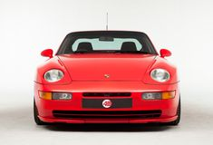 An Affordable Future Classic: The Porsche 968 Sport Porsche 924s, Bmw Isetta, 911 Turbo, Porsche Design, Old Cars, Retro, Super Cars, Classic Cars, Sport