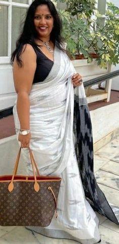 Beautiful Women Over 40, Beautiful Girl Indian, Most Beautiful Indian Actress, Beautiful Roses, Plus Size Beauty, Beauty Full Girl, Beauty Women, Top 10 Bollywood Actress, Beautiful Bollywood Actress