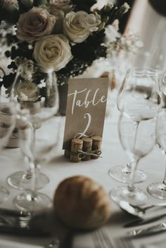 Informations About Numero-de-table-mariag Card Table Wedding, Wedding Table Numbers, Wedding Cards, Table Labels, Wedding Congratulations Card, Wedding Labels, Table Cards, Rustic Wedding, Gold Wedding
