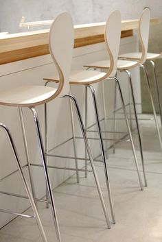PYT BAR STOOL   PLYCOLLECTION
