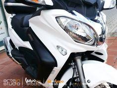 Suzuki Burgman 650 WRAPPING BIANCO OPACO #wrap #motowrapping #wrapping #selfadhesive #ilovewrapping #suzuki #burgman #suzikiburgman #gowraporgohome #design #mootdesign #arteinstudio #wrapinstudio #bianco #opaco #whitematt #3M